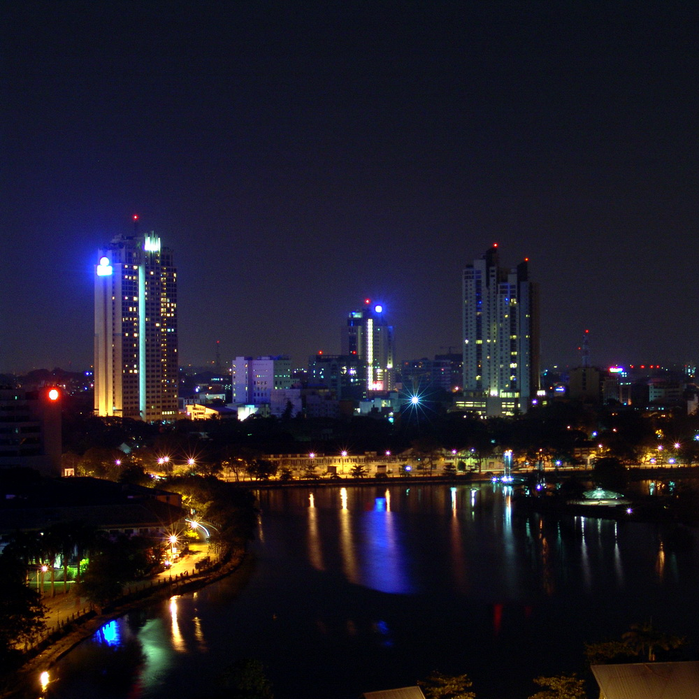Colombo_at_night